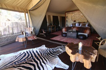 Luxury suite at Inverdoorn Game Reserve